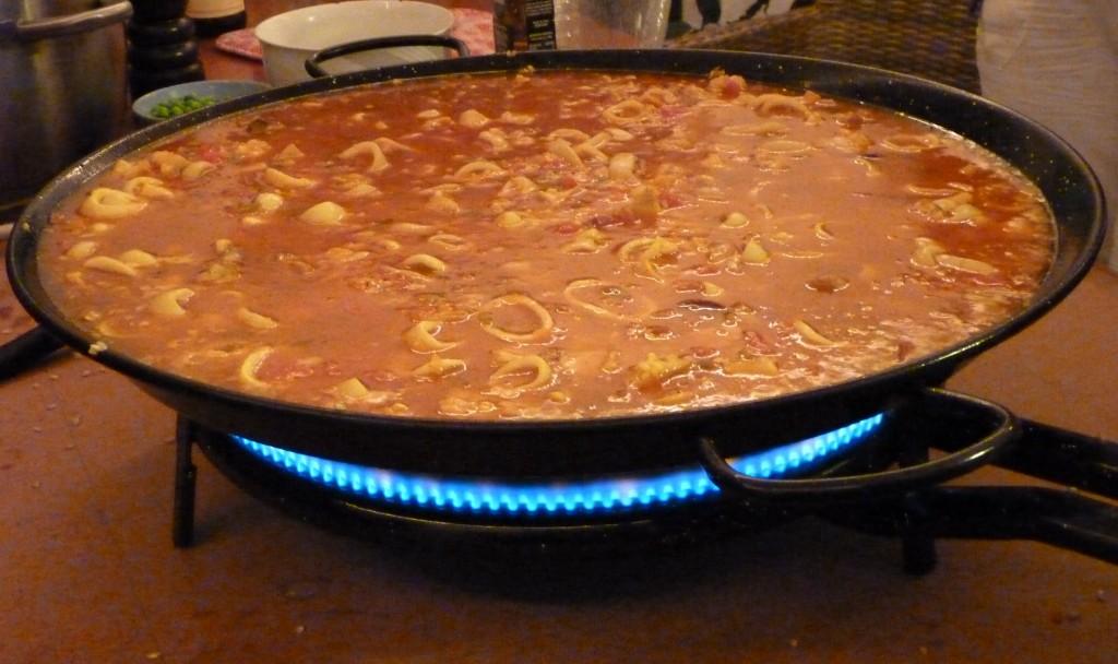 Zelf lees ik ook graag boekjes over Spaanse gewoontes om me zo beter ...: spaansgeluk.com/2012/05/12/spaans-levensmotto-je-werkt-om-te-leven