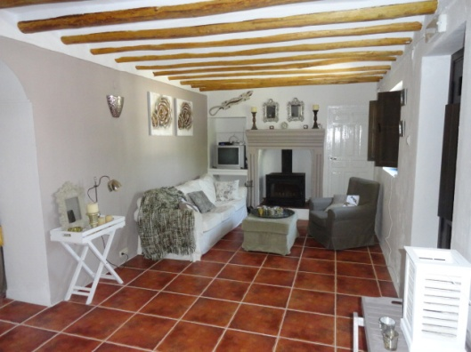 33-livingroom-house-2